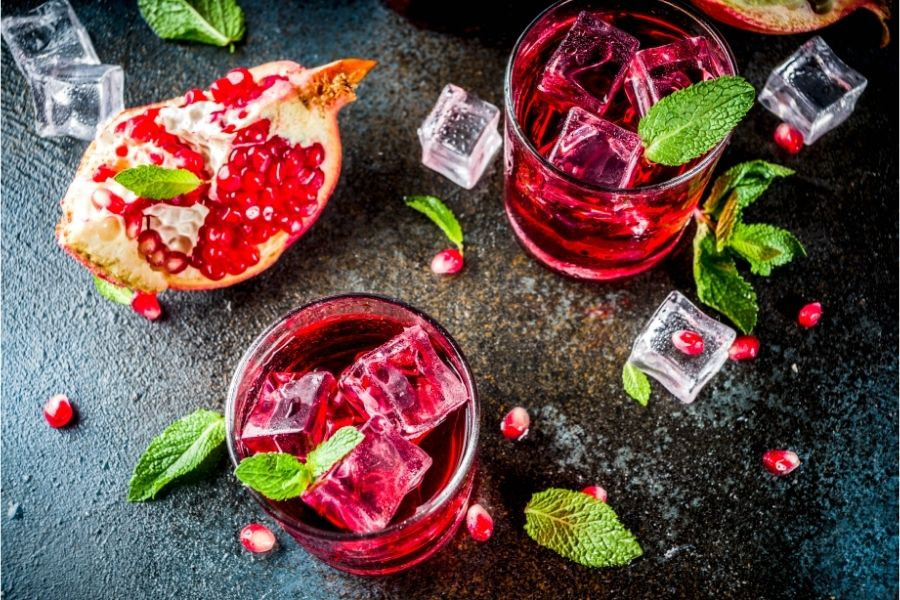 is sparkling water bad for your gums